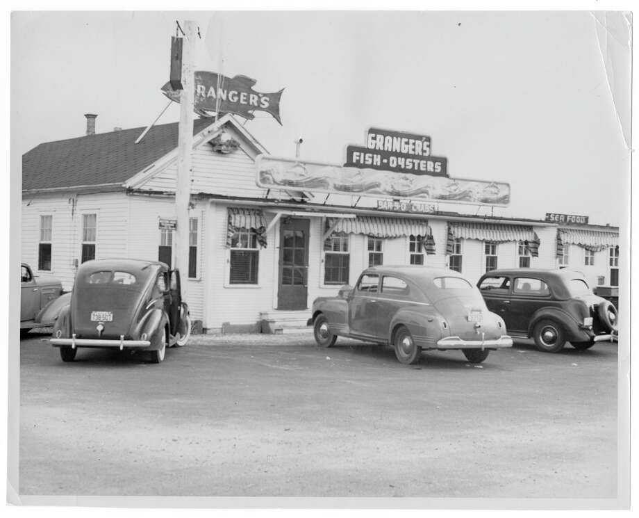Barbecue crabs were invented at Granger's restaurant in the late 1940's. The roadhouse burned down in 1958 but the barbecue crab recipe lived on. Photo: Texas History