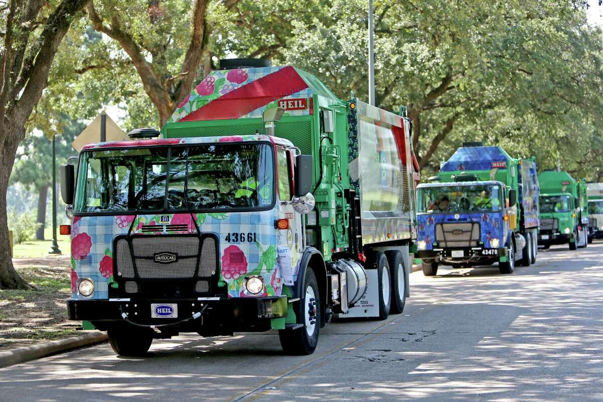 City rolls out art covered recycling trucks houstonchronicle city rolls out art covered recycling trucks malvernweather Images