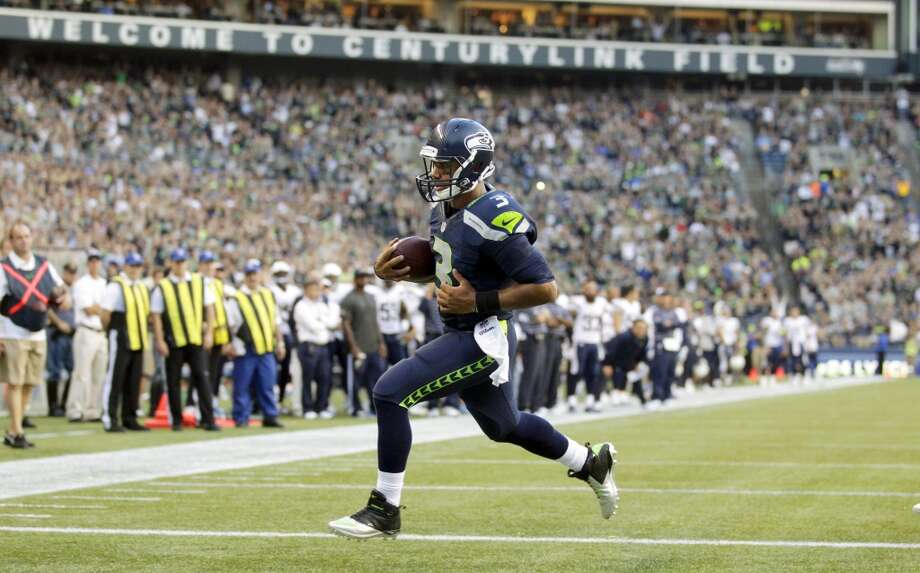 1. Offense impresses, to start   Seattle's No. 1 offense couldn't have kicked off the game any better, scoring on their first four possessions en route to a 24-0 lead.   The Seahawks moved the ball in every way imaginable. Robert Turbin reeled off a 47-yard run, Zach Miller hauled in a 37-yard reception from Russell Wilson -- who also picked up chunks of yardage on the ground -- and Percy Harvin caught four passes. In total, the Hawks outgained the Chargers 260 yards to 122 in the first half.   Perhaps the most encouraging development was the play of the offensive line, still without starters Russell Okung and Max Unger. Tackle Alvin Bailey and guard James Carpenter pushed the Bolts' defensive line off the ball and opened up holes in the running game. And while rookie right tackle Justin Britt showed some of his growing pains in pass protection, he was impressive in the run game. Photo: Stephen Brashear, Associated Press