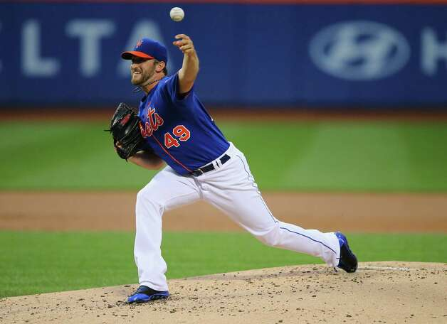 NEW YORK, NY - AUGUST 16:  Jonathon Niese #49 of the New York Mets pitches against the Chicago Cubs during their game on August 16, 2014 at Citi Field in the Flushing neighborhood of the Queens borough of New York City.  (Photo by Al Bello/Getty Images) ORG XMIT: 477588131 Photo: Al Bello / 2014 Getty Images