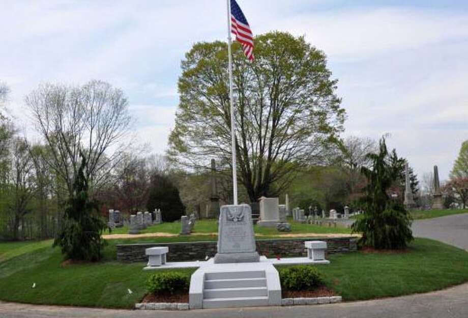 A new memoiral to military veterans at Oak Lawn Cemetery was dedicated in May. Photo: Contributed Photo / Fairfield Citizen