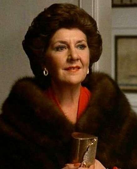 Roger Moore/Maureen Stapleton (30 Mar. 1982) - m.imdb.com