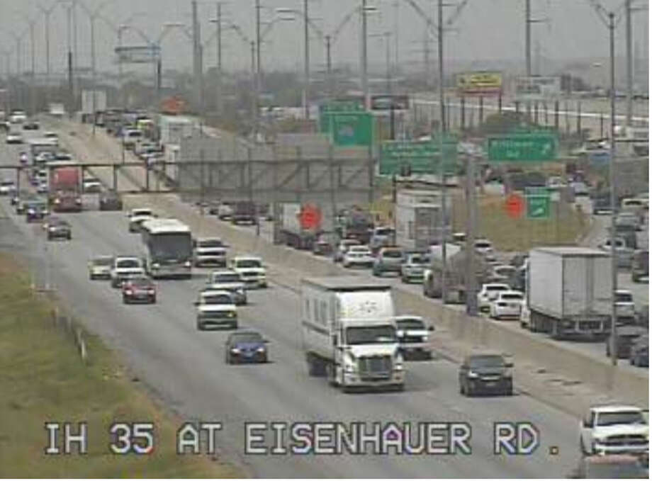 Traffic at Eisenhauer Road is backed up from a planned closure on Interstate 35 southbound on Sunday, Aug. 17, 2014. Photo: Texas Department Of Transportation