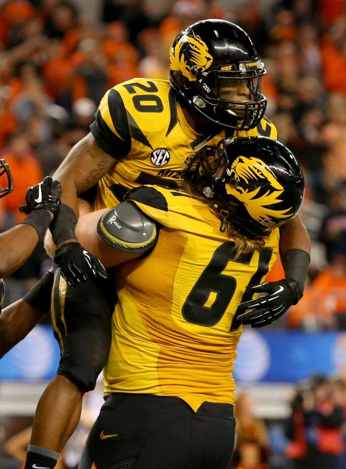 #24 - Missouri  SEC  147 points  Record: 1-0 Photo: Ronald Martinez, Getty Images