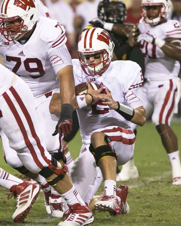 #18 - Wisconsin  Big Ten  364 points  Record: 0-1 Photo: Rob Schumacher, Associated Press