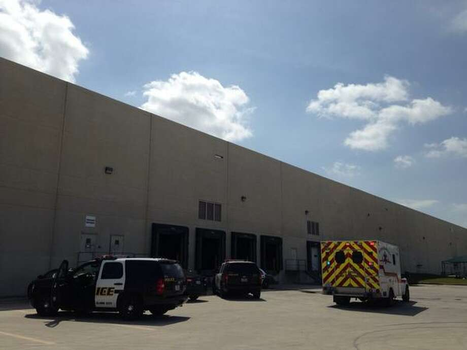 A man in his 60s died Monday morning after a 3,500- pound bag of fracking sand fell on him at a far North Side warehouse. Photo: Alia Malik/San Antonio Express-News