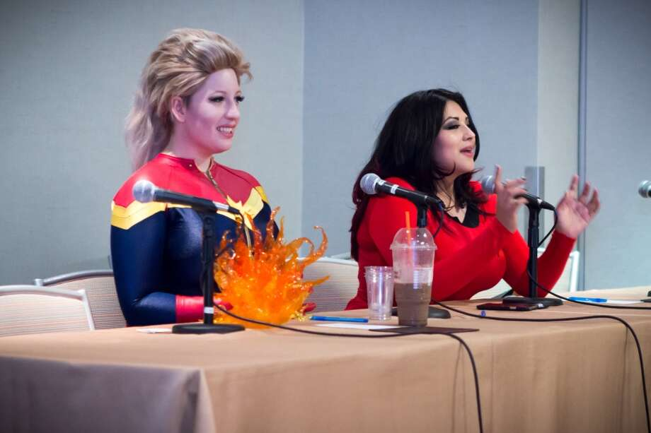 CosPlay101: BelleChere and Ivy DoomKitty