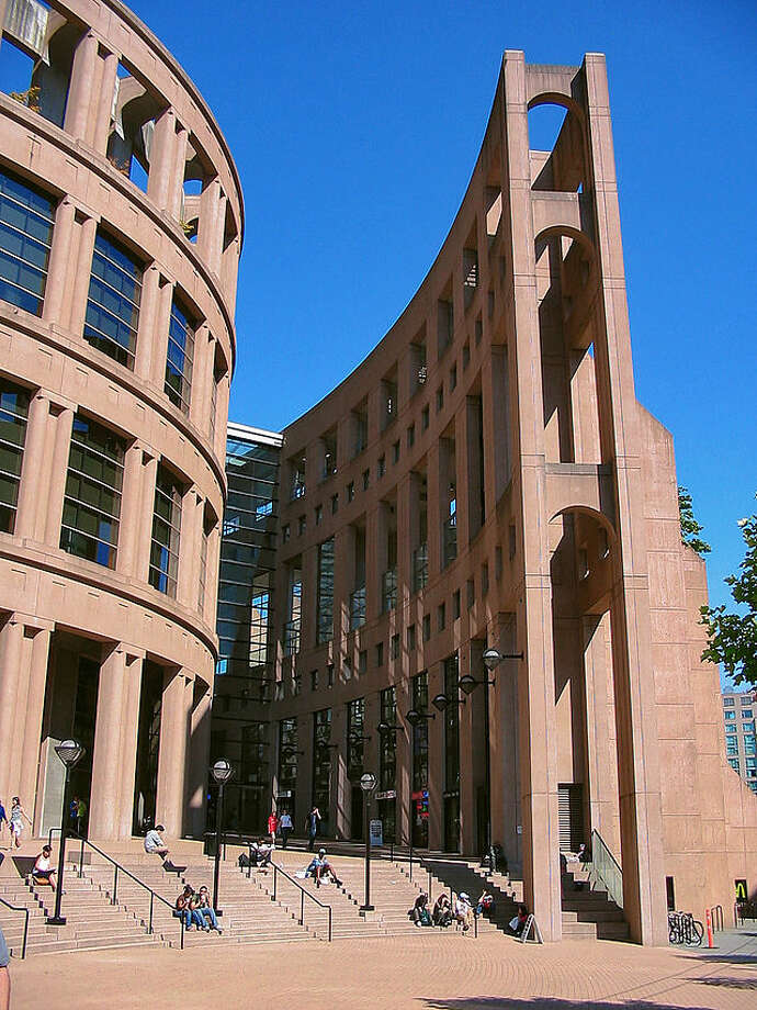 The circular Vancouver Public Library (1995) evokes the Roman Colosseum. Photo: Alex Ramon