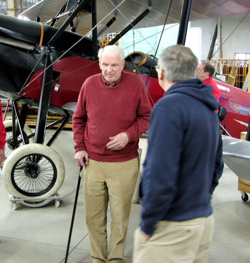 John K. Desmond Jr., left, speaks to members of  Experimental Aircraft Association (EAA) Chapter 78 (Delaware Valley) in April 2011. (Courtesy Tom Russell)