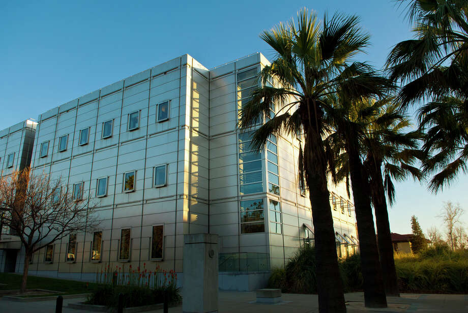 California Institute of Technology (Pasadena, California)Students study the most (2)