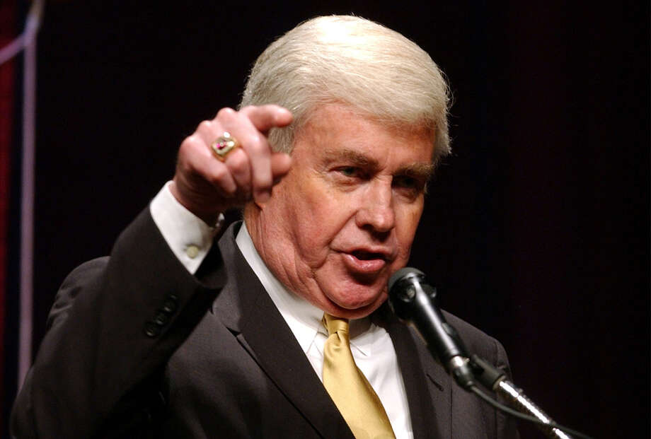 Republicans should adopt an approach akin to the one pioneered by the late Jack Kemp, who engaged in aggressive minority outreach efforts. The party should emphasize conservative policies that boost the common good. Photo: Express-News File Photo / SAN ANTONIO EXPRESS-NEWS