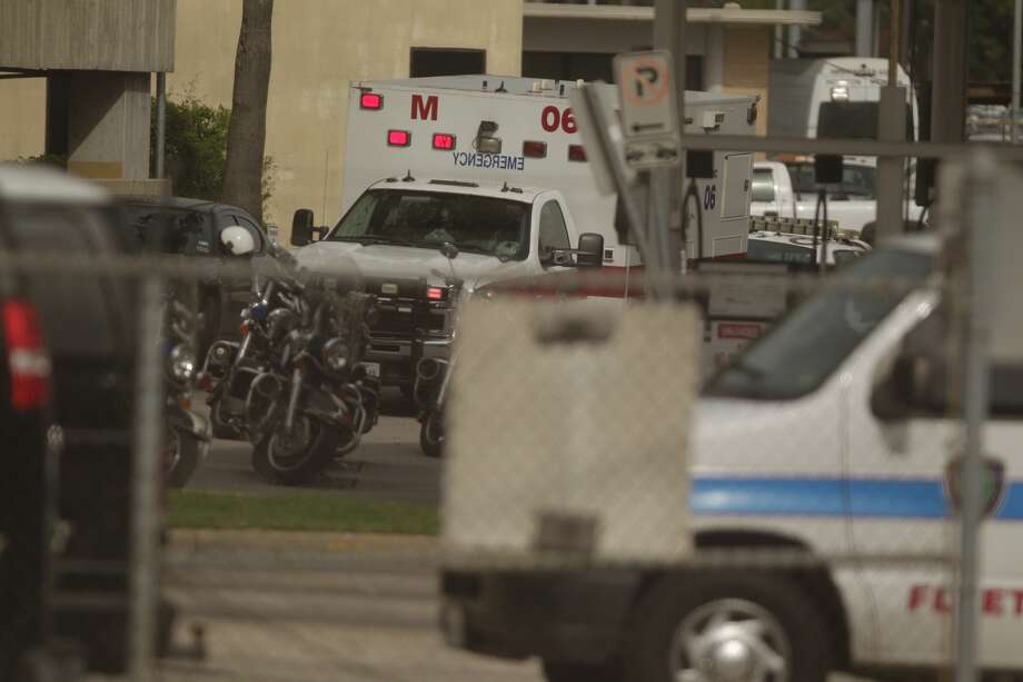 According to the Houston Police Department, an officer was shot and killed   on the second floor of the parking garage at the City of  Houston Jail   at 61 Riesner near downtown on Tuesday afternoon.