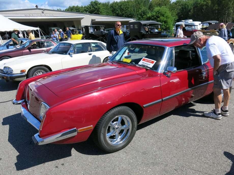 A 1983 Avanti II. It sold for $7,700.