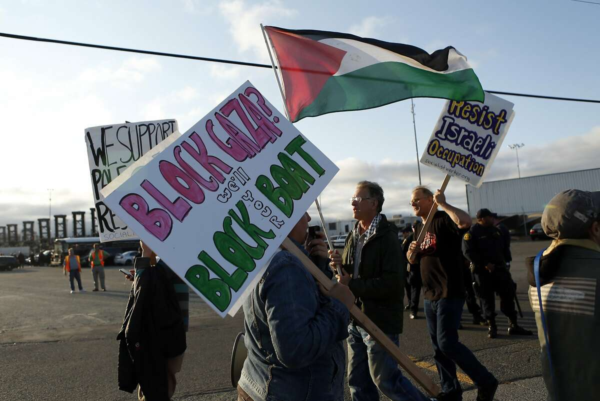 Protesters demonstrate against an Israeli ship attempting to offload at Port of Oakland in Oakland, Calif. on Tuesday, August 19, 2014.