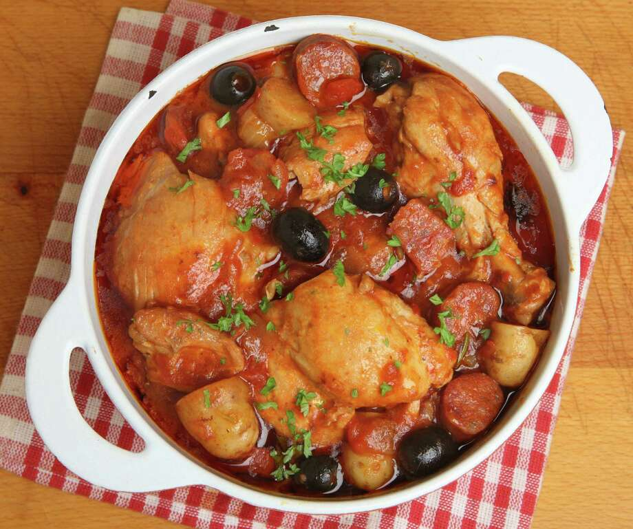 Spanish chicken casserole with chorizo, olives and new potatoes. Fotolia / Joe Gough - Fotolia
