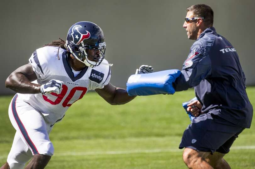 Day 17: August 20   Texans linebacker Jadeveon Clowney (90) runs a