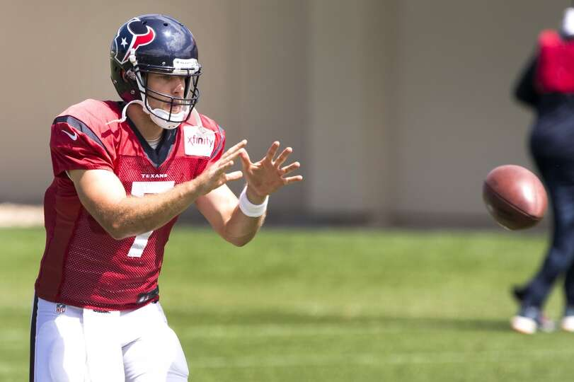 Texans quarterback Case Keenum takes a snap.