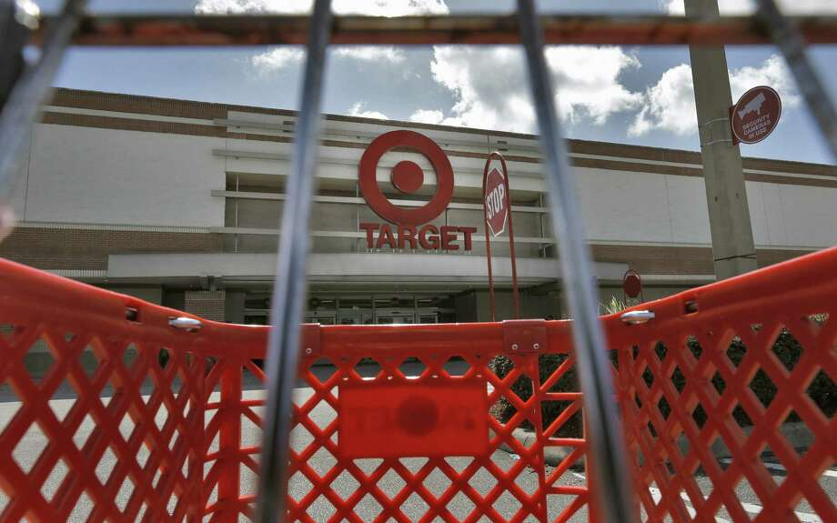 Target and other retailers must deal with more shoppers staying away from physical stores and instead buying online. Photo: Chris O'Meara, Associated Press / AP