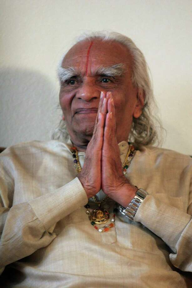 **EDS.: RETRANSMISSION OF XNYT22 SENT 8/20/2014 TO CORRECT DATE TO OCT. 7 STED NOV. 7, 2005** FILE -- B.K.S. Iyengar during a reception at his yoga institute in Los Angeles, Oct. 7, 2005. Iyengar, a yoga guru who was credited with doing much to bring the ancient practice to the West and established yoga institutes on six continents, died in a hospital in Pune, India, on Aug. 20, 2014 at the age of 95. (Misha Erwitt/The New York Times)   ORG XMIT: XNYT22 Photo: MISHA ERWITT / NYTNS