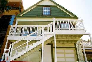 334 Holladay Ave in North Bernal Heights is on for 899K.