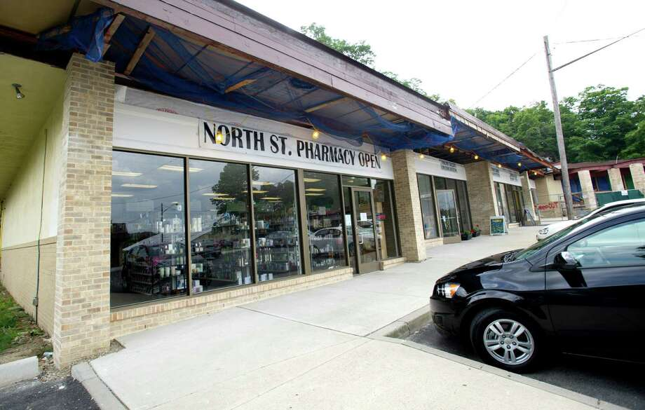The North Streeet Shopping Center in Greenwich, Conn., on Thursday, August 21, 2014. Photo: Lindsay Perry / Stamford Advocate