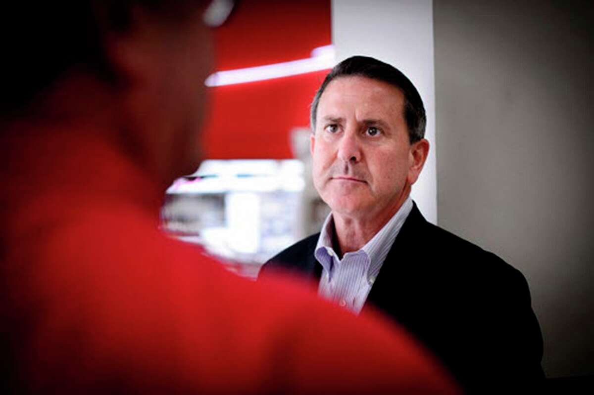 Target CEO Brian Cornell reversed course on the retailer's expansion into Canada when he took over, but the idea is worth another look.