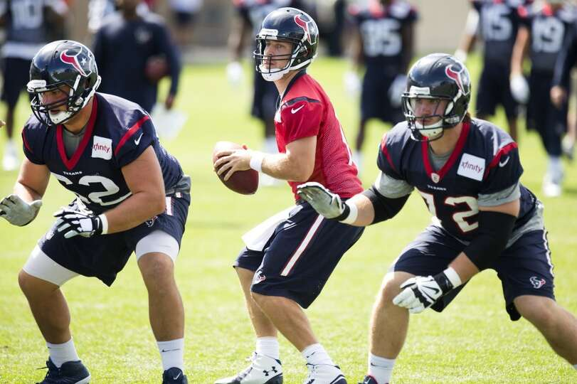 Texans quarterback Case Keenum (7) drops back to pass behind guard Alex Kupper (62) and tackle Brice