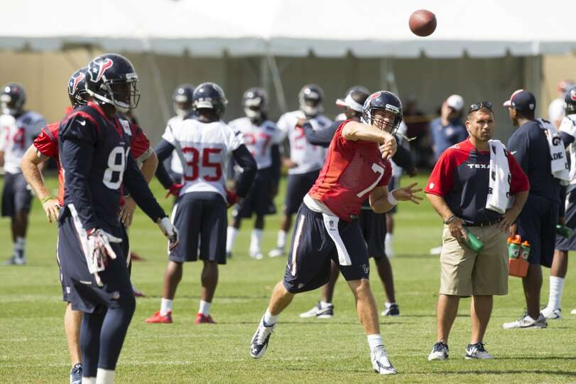 Texans quarterback Case Keenum (7) throws a pass.