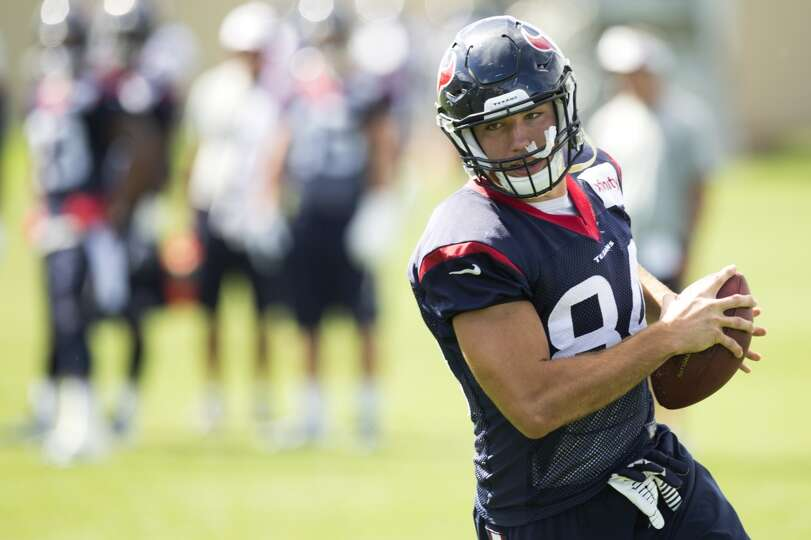Texans tight end Ryan Griffin runs upfield after making a catch.