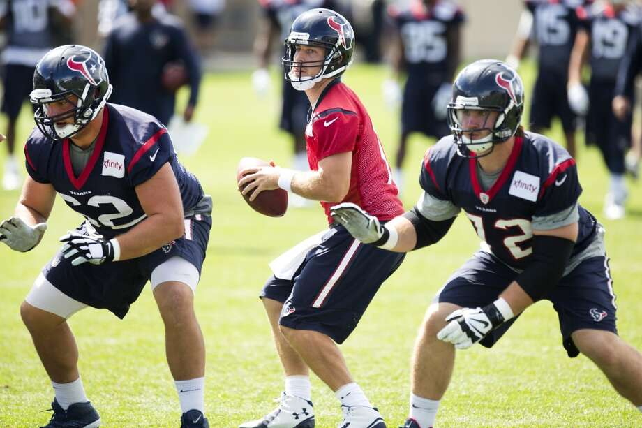 Texans quarterback Case Keenum (7) drops back to pass behind guard Alex Kupper (62) and tackle Brice Schwab (72). Photo: Brett Coomer, Houston Chronicle