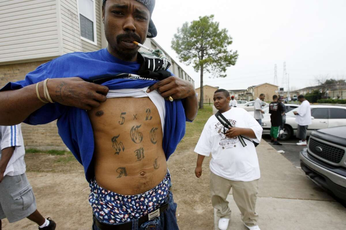 52 Hoover Crips The shooter of two Houston Police Department officers was linked to a criminal gang called the 52 Hoover Crips.Click through to learn more about the 52 Hoover Crips.