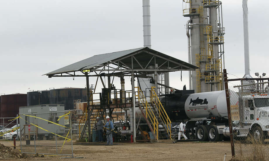 The Blue Dolphin Energy refinery near Nixon was built around 1980 but was mothballed for years. Blue Dolphin bought the plant in 2006 and revived it in 2012. Photo: Jerry Lara, Staff / © 2013 San Antonio Express-News