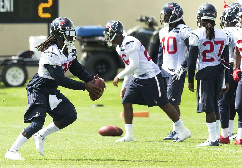 Texans safety D.J. Swearinger (left) was in the middle of the biggest fight in a practice with the Broncos on Thursday. Photo: Brett Coomer / Houston Chronicle / © 2014 Houston Chronicle
