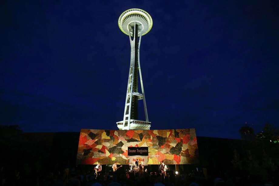 The Beatles cover band Creme Tangerine performs at Seattle Center's Mural Amphitheater on Thursday. Photo: JOSHUA TRUJILLO, SEATTLEPI.COM / SEATTLEPI.COM