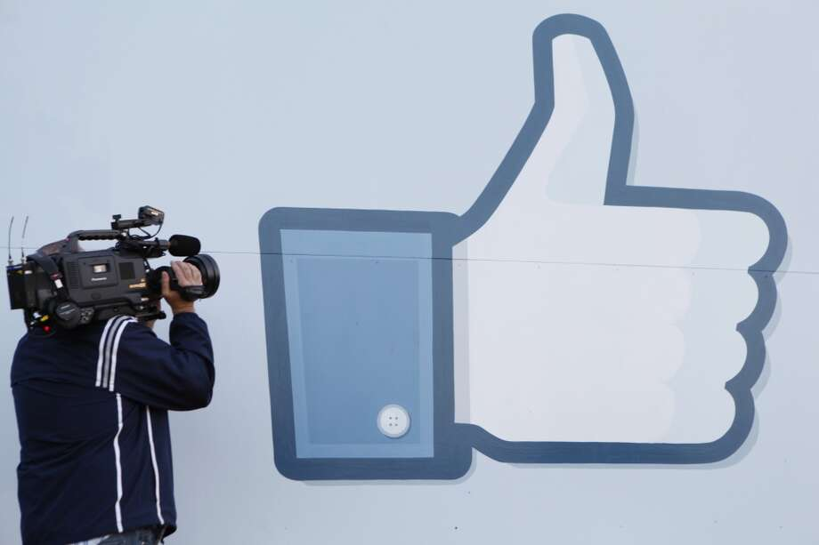 "5. Facebook Rating: 4.3 out of 5 | Location: Menlo Park, California""This company really cares about its mission and people. It gives you the skills and opportunities to grow."" -- Facebook employee Photo: KIMIHIRO HOSHINO, AFP/Getty Images"