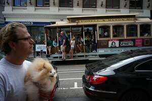S.F. may ban most traffic on lower Powell, home of cable cars and tourists - Photo