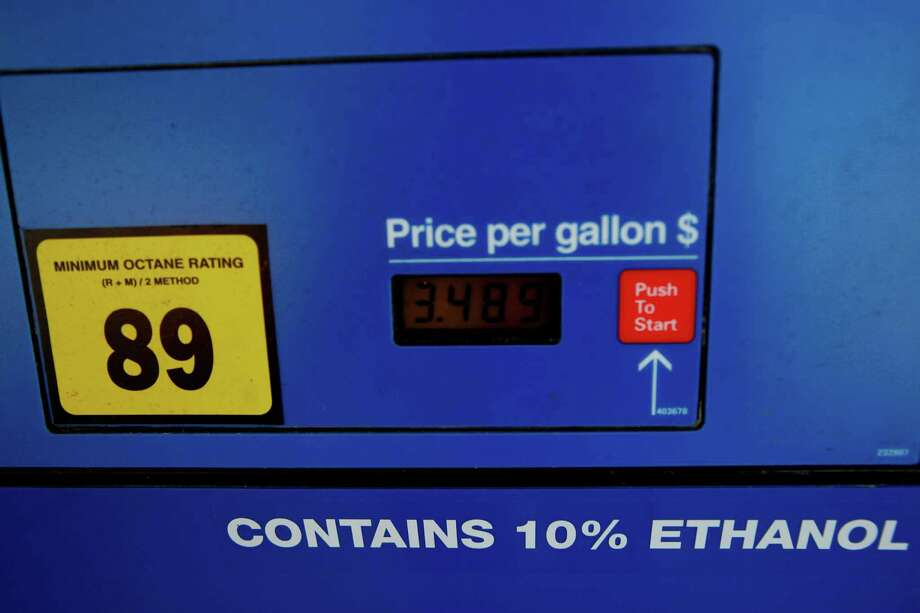 """Renewable fuel standard foes say quotas are nearing the """"blend wall,"""" the point at which meeting the targets would require more than the 10 percent ethanol considered safe for all vehicles.  Photo: Sarah Hoffman / 00019200A"""