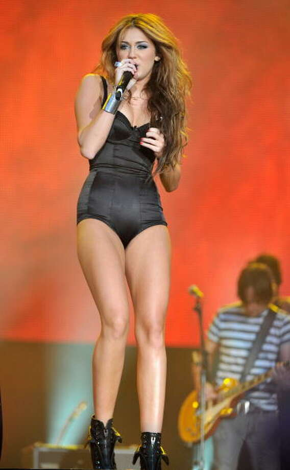 ARGANDA DEL REY, SPAIN - JUNE 06:  Singer Miley Cyrus performs on stage during Rock in Rio Madrid Festival on June 6, 2010 in Arganda del Rey, Spain.  (Photo by Carlos Alvarez/Getty Images) Photo: Carlos Alvarez, Getty Images / 2010 Getty Images