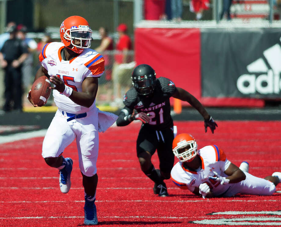 Sam Houston State's Jared Johnson scores on a 53-yard run in the first half against Eastern Washington. Photo: Colin Mulvany, MBI / The Spokesman-Review