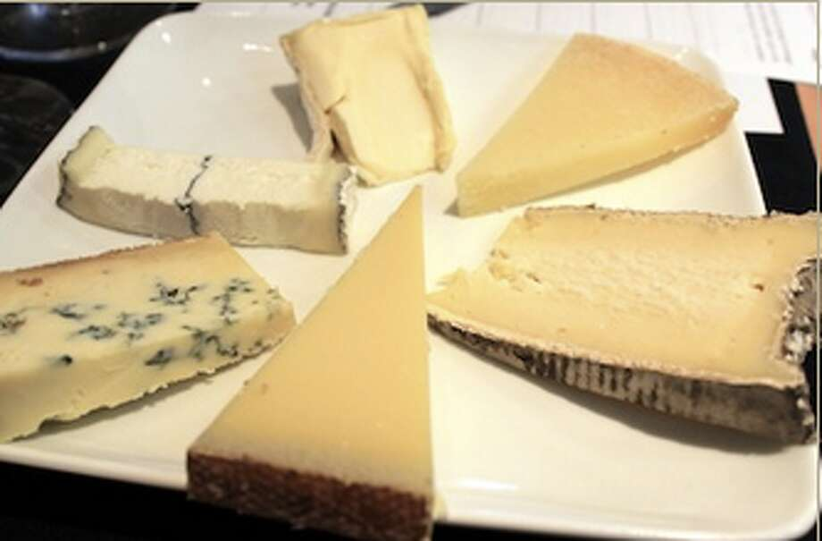 "Monday, August 25th, try ""Fresh Cheese Pairings"" with Caseus in New Haven.  The cheese will be paired with beer and wine, and their chef will give a burrata making tutorial as well."