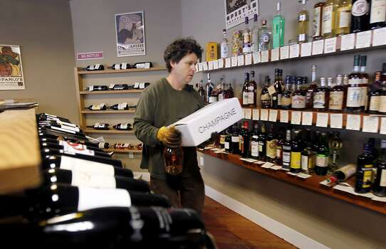 Dan Dawson, owner of Back Room Wines, recovers salvaged marchandise in Napa, Calif. on Sunday, Aug. 24, 2014 after a 6.0 earthquake jolted the Bay Area. Dawson estimates he lost about 10 cases of wine. Photo: Paul Chinn, The Chronicle