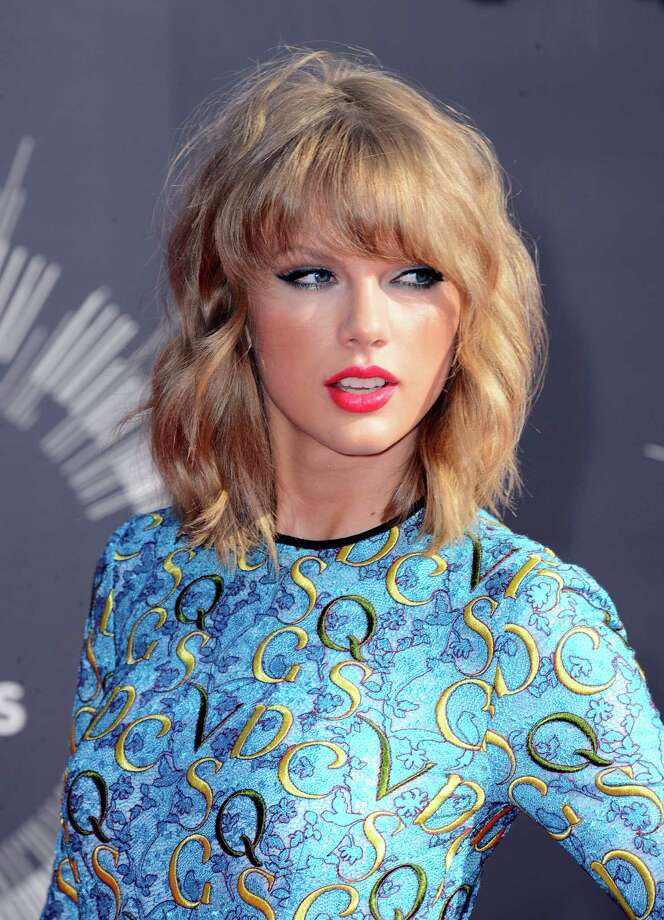 Taylor Swift arrives at the MTV Video Music Awards at The Forum on Sunday, Aug. 24, 2014, in Inglewood, Calif. Photo: Jordan Strauss, AP / Invision