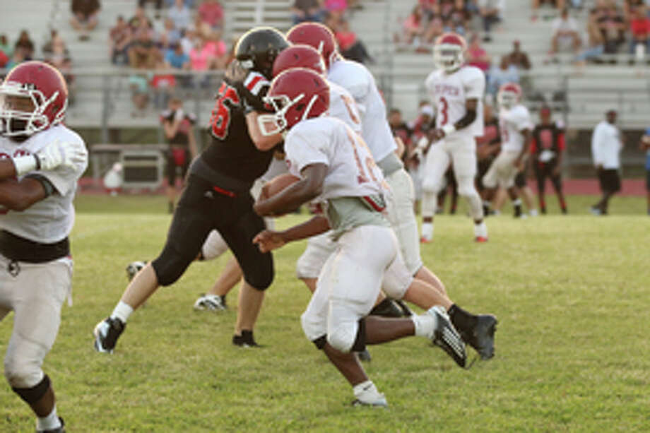 Bulldogs last scrimmage against Coldspring photo by Jason Dunn