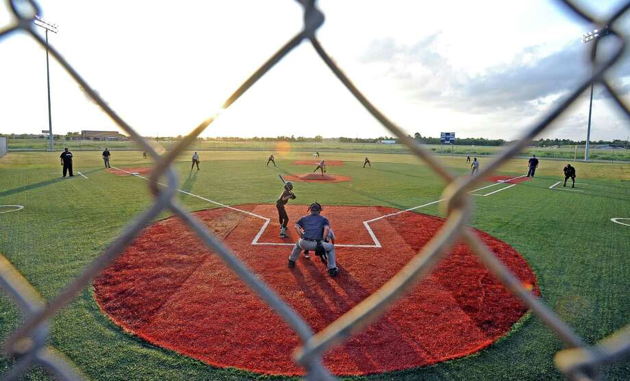 August 25: Jefferson County Commissioners approved a plan to bring an 18,000 square foot indoor sports training facility to Ford Park. Photo: Randy Edwards