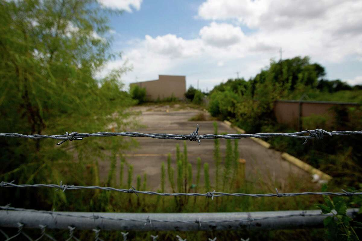 Since CES Environmental Services filed for bankruptcy four years ago, its property in south Houston has not been secured to prevent releases of toxic chemicals, the EPA says.