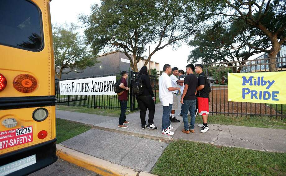 Milby High School students arrived Monday at their new but temporary campus at Jones High School, on the first day of school.  Photo: Karen Warren, Staff / © 2014 Houston Chronicle