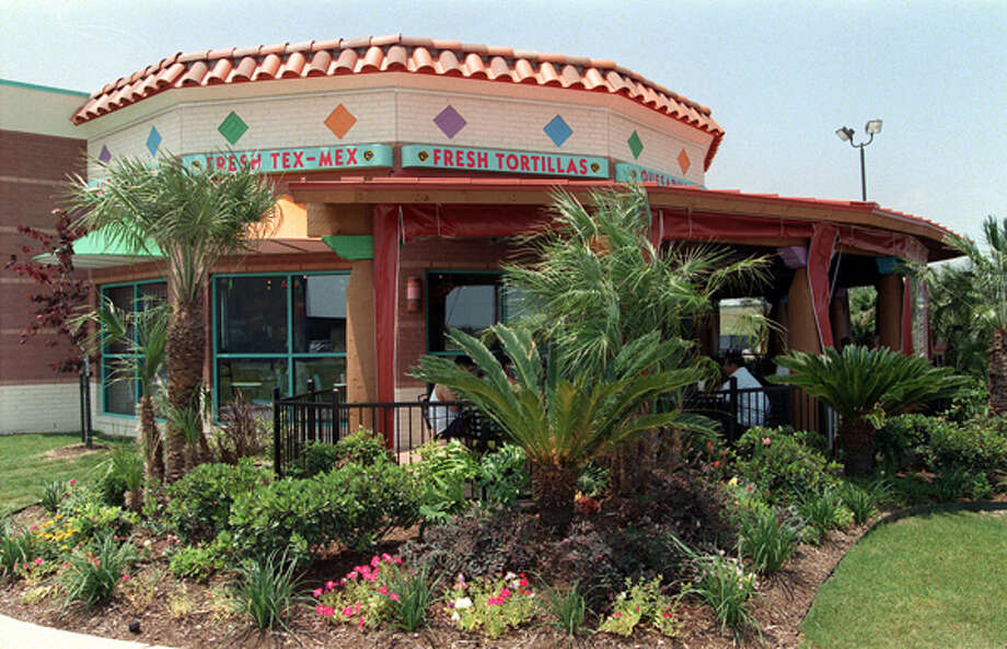 Taco Cabana has 146 company-owned restaurants in Texas. Photo: Tom Reel, San Antonio Express-News / SAN ANTONIO EXPRESS-NEWS