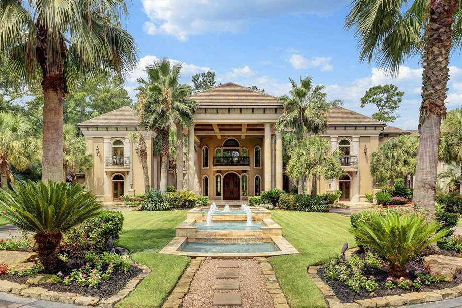 828 Crestbend: $6,950,000 / 7 bedrooms / 8 full and 4 half baths / 11,476 square feet Photo: Houston Association Of Realtors