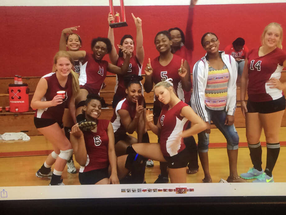 Varsity Jasper Bulldog Volleyball team takes first in silver bracket courtesy photo