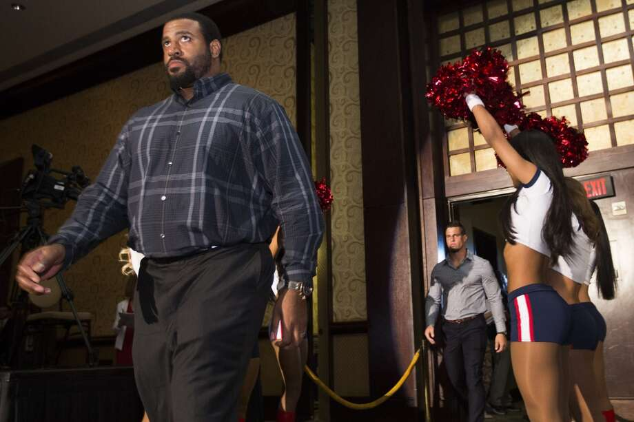 Duane Brown is introduced. Photo: Brett Coomer, Houston Chronicle